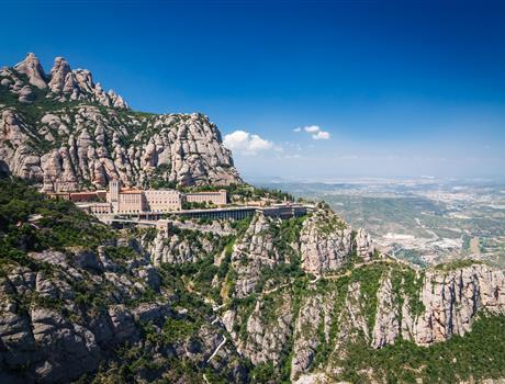 Full Day Tour: Montserrat & Barcelona with Cog Wheel Train
