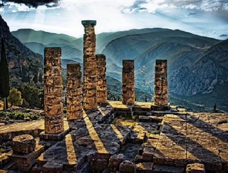 Amazing Delphi One Day Tour from Athens