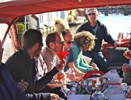 Enjoy Burger and Beer Amsterdam Canal Cruise