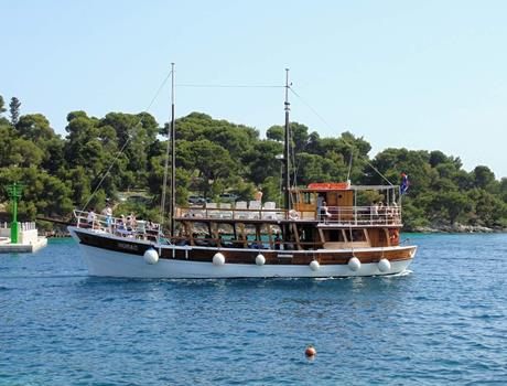 Blue Lagoon and Šolta Full Day Tour from Split