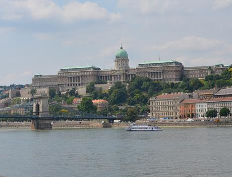 Budapest Sightseeing: 2-Hour Buda Tour in English