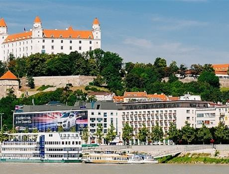 Boat and Bus tour from Vienna to Bratislava