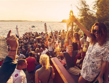 Day and Night Hvar Party Tour by Boat from Split