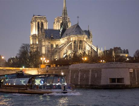 Discover Magnificient Paris on Seine Dinner Cruise - Optional Service 8:30 pm