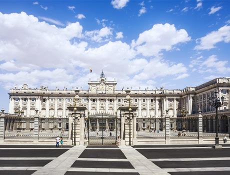 "Hapsburgs Madrid Walking Tour + Prado Museum ""Skip the line"" Guided Tour"