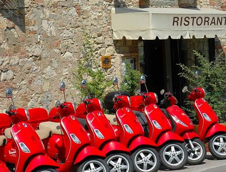 Visit the Chianti Region on an original Vespa from Lucca