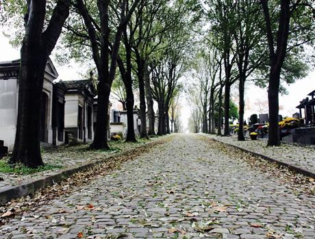 Experience the Père Lachaise - Paris Walking Tour