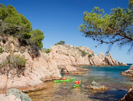Hiking or Kayaking Tour in Costa Brava from Barcelona
