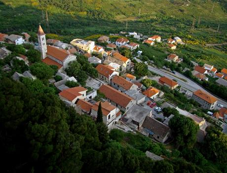 Explore mixture of history and tradition: Sinj and Klis from Makarska