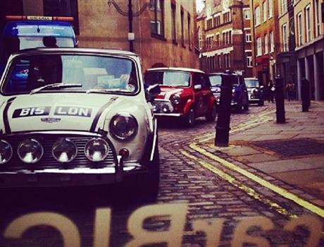 London Landmarks Tour in a British Classic Car