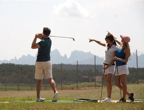 Day Trip to Montserrat with Golf, Food and Wine from Barcelona