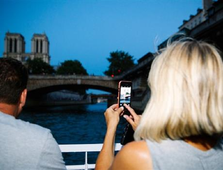 Paris Night Bike Tour & River Seine Cruise
