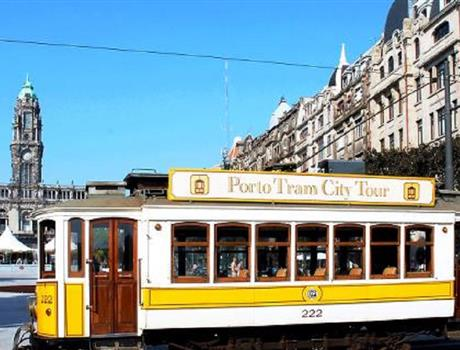 Porto 3 in 1: Tram, Guindais Funicular & Hop-on Hop-Off Bus Tour