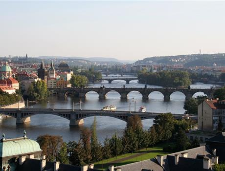 Prague Walking Tour with Vltava River Cruise