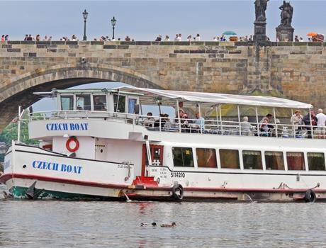 Hop-On Hop-Off Prague Tour With River Cruise