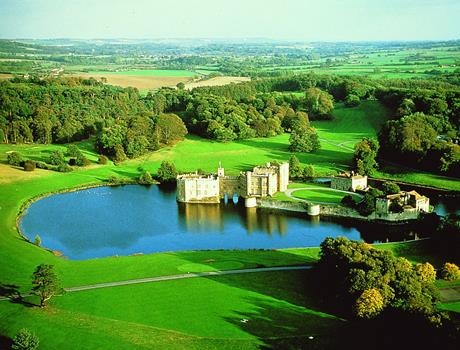 Leeds Castle, Canterbury Cathedral, Dover & Greenwich Tour with Thames Boat Ride from London