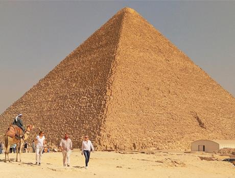 Private Full Day tour to Giza Pyramids, Sphinx, the Egyptian Museum and Khan El Khalili from Cairo
