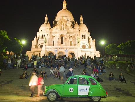 Private tour Paris by night with 2CV