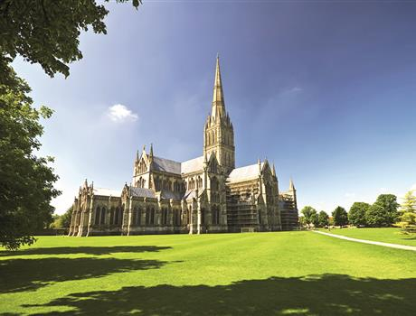 Salisbury Cathedral, Stonehenge & Bath from London