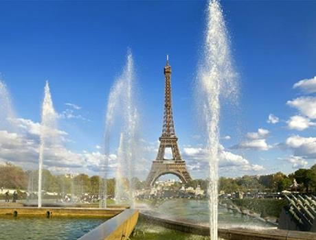 Simply Paris: Escorted Full Day Standard Premier Tour from London