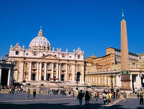 Skip the Line: Castel Sant'Angelo and St.Peter's Square Small Group Tour from Rome