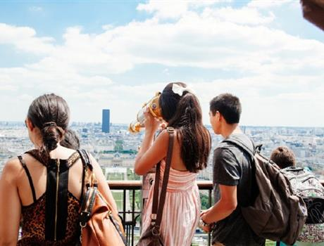 Skip the Line Eiffel Tower Tour with Summit Access in Paris