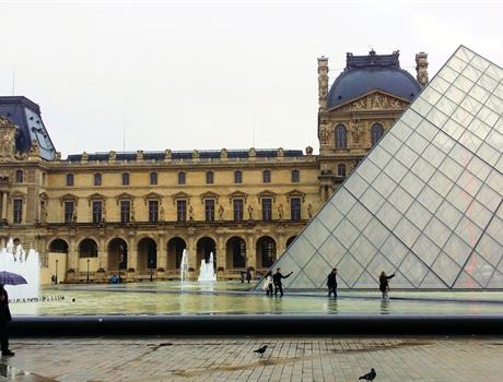 Skip the line Louvre Ticket & Seine Cruise + Audio-Guide in Paris