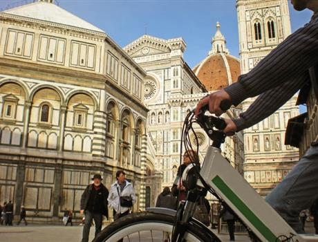 Small Group: Electric Bike Tour  + Wine Tasting from Florence