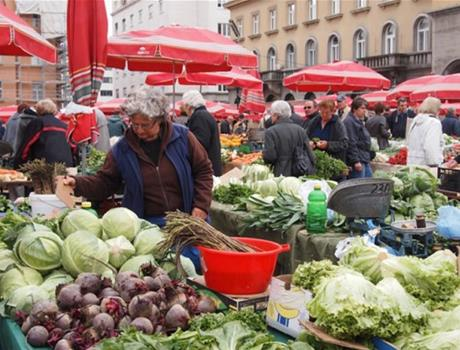 Guided tour of Dolac Market with tasting in Zagreb