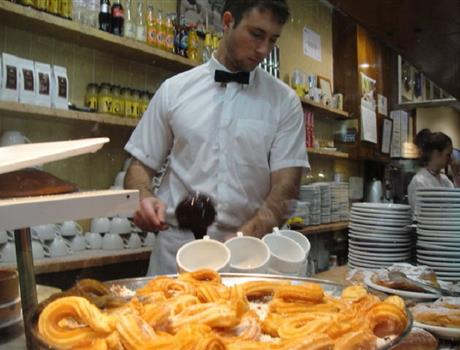 Tasting and Walking Tour from Barcelona - Sweets & Chocolates