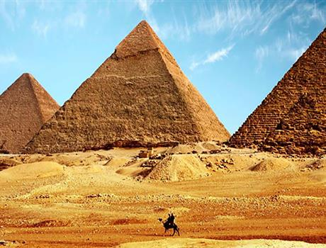 Private Tour to Pyramids & The Egyptian Museum from Cairo