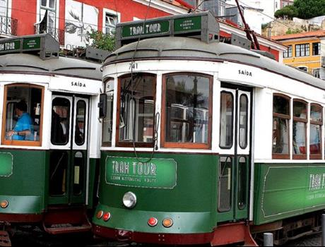 3-in-1 Lisbon Hop-On Hop-Off Tram and Boat Tour (48h)