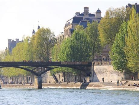 VIP Seine River Cruise with brunch in Paris