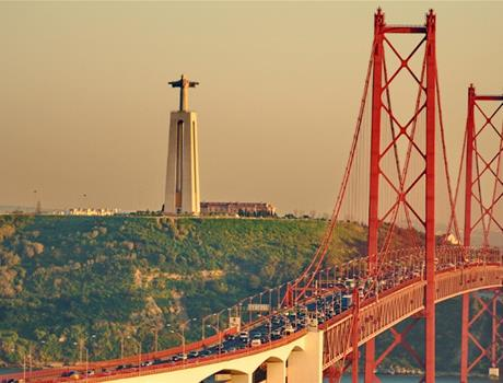 Full Day Private Historic Tour in Lisbon