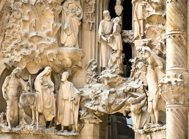 Guided Tour of Sagrada Familia & Park Güell with Skip the Line Tickets from Barcelona
