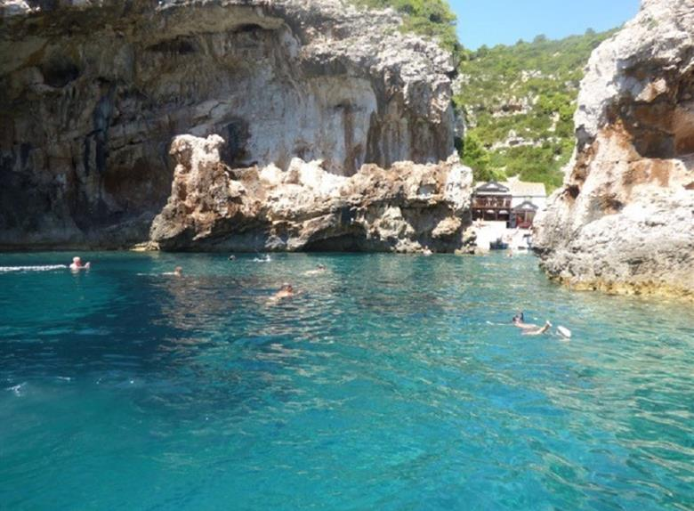 Blue Cave - 5 Islands Speedboat Tour from Split