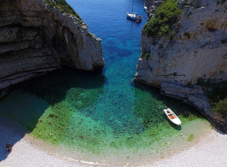 Blue Cave Tour with Luxury Boat from Split