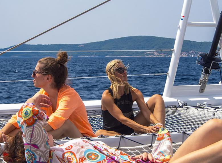 Boat tour to Bol &Golden Horn, Hidden Bays and Inland of Brač from Split