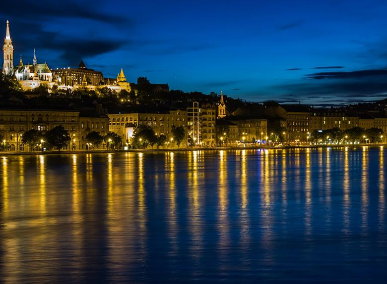 Discover the magical Budapest at night