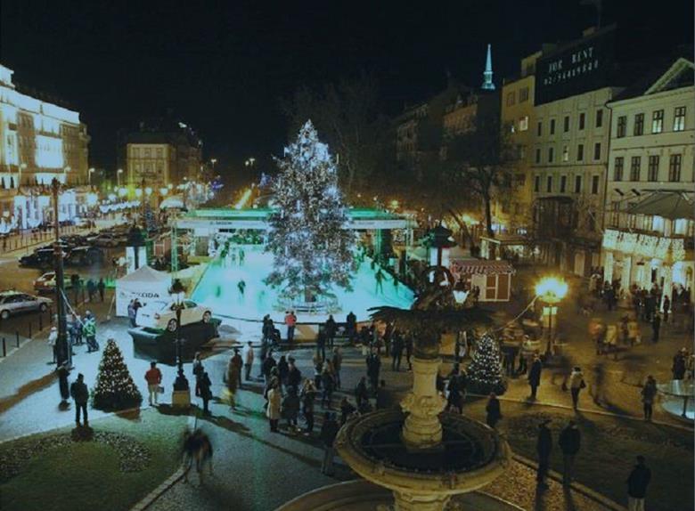 Christmas Bratislava.Christmas Bratislava Day Trip Fom Vienna 2019 Happytovisit Com