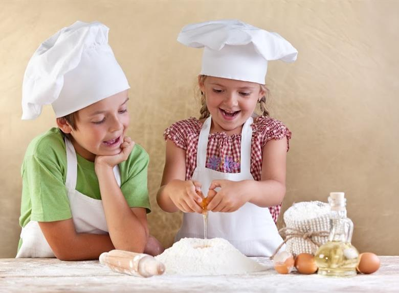 Cooking with kids in the heart of Florence: have fun preparing Italian organic recipes