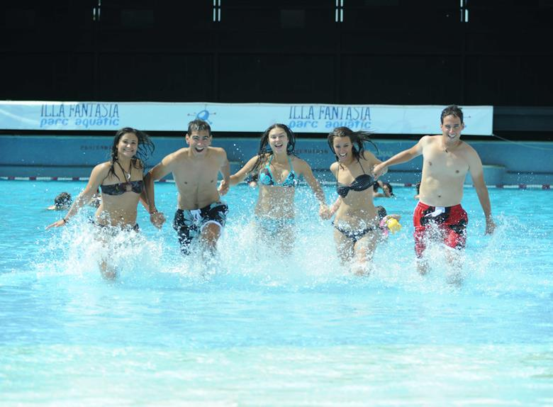 Illa Fantasia Water Park Tour from Barcelona
