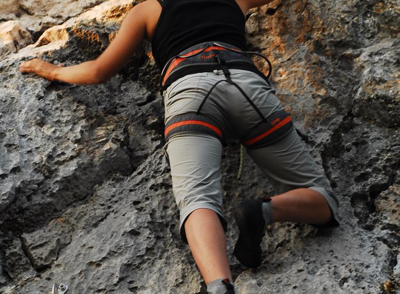 Discover rock climbing suitable for beginners in Hvar