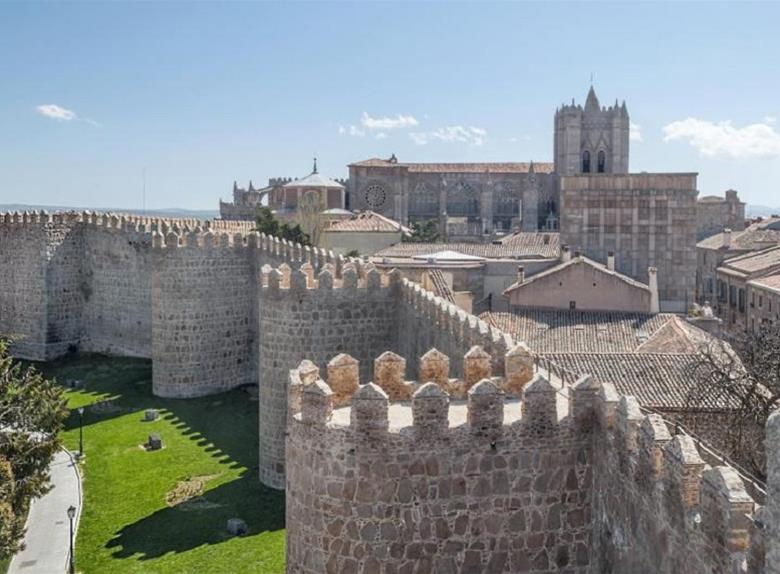 The Historical Walled City of Avila – Tours from Madrid