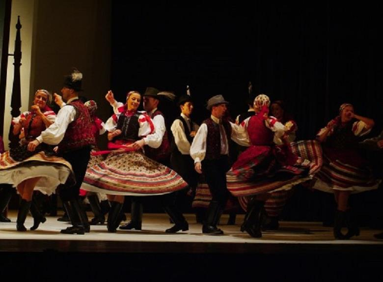 Watch the traditional Hungarian Folklore Show