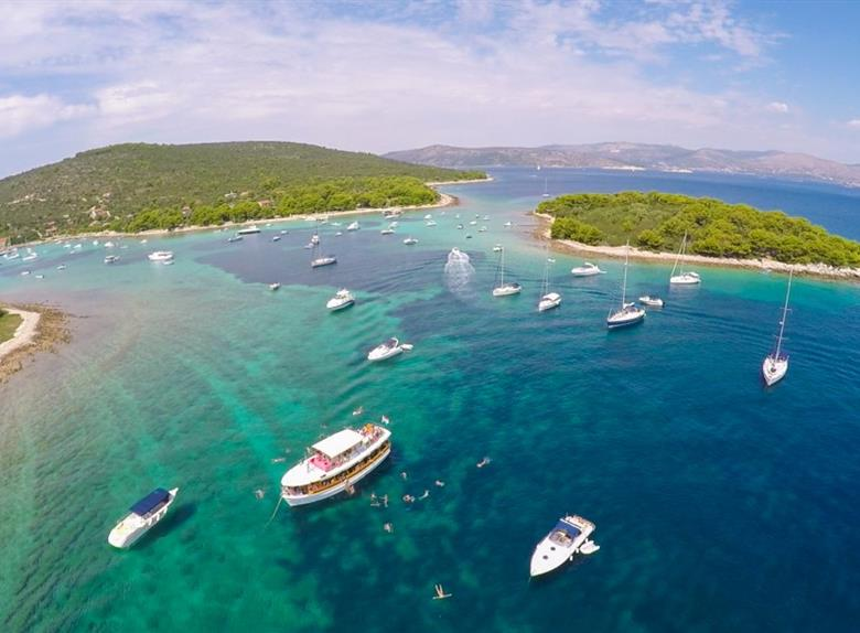Experience Three Island Cruise from Trogir