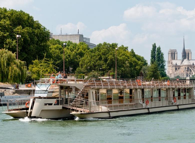 Explore Paris 1-Hour Sightseeing Cruise
