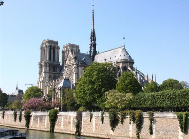 Explore Heart of Paris Tour