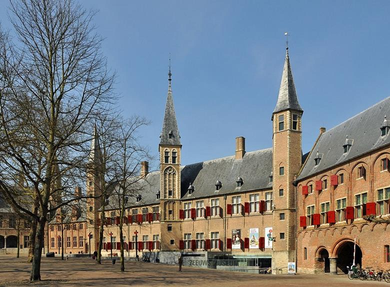 Explore the Best of Middelburg on Private Walking Tour