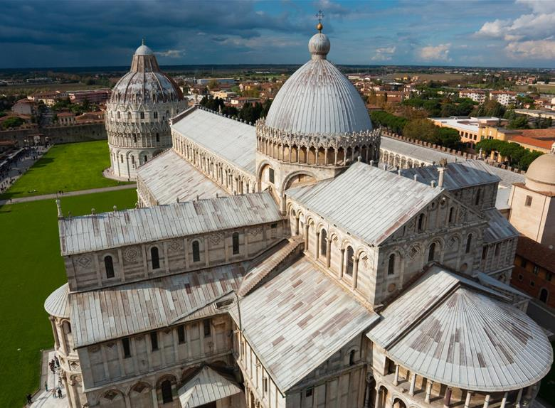 Tour to Pisa and Lucca with wine tasting from Florence